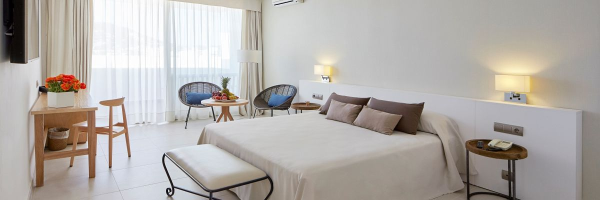 Accommodations - Tres Torres - Hotel Tres Torres