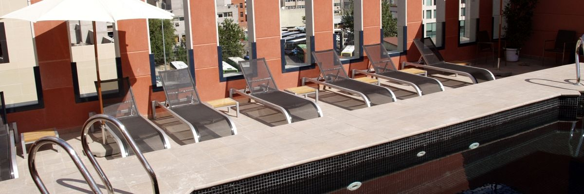 Swimming Pool - Hotel Eco Alcalá Suites